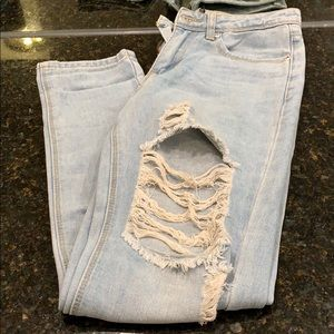 Boohoo high rise ripped jeans size 2